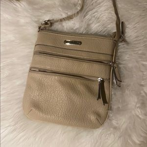 Jaclyn Smith crossbody